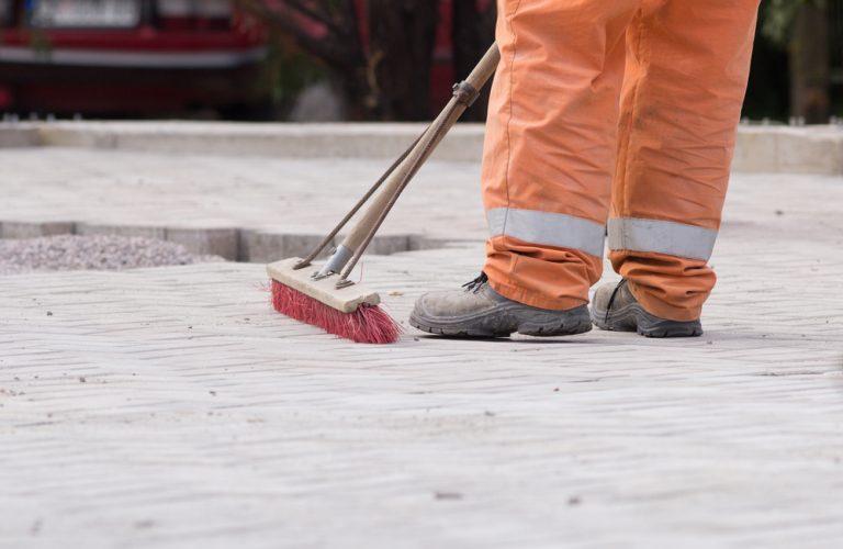 """Verletzte Mitarbeiter, Produktionsstopp, Straßensperrung durch """"harmlose"""" Reinigungsarbeiten"""