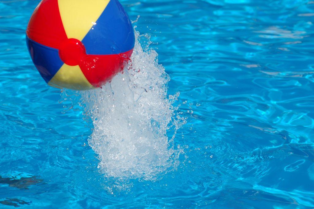 Worauf Sie beim Chloren von Schwimm- und Badebecken achten müssen