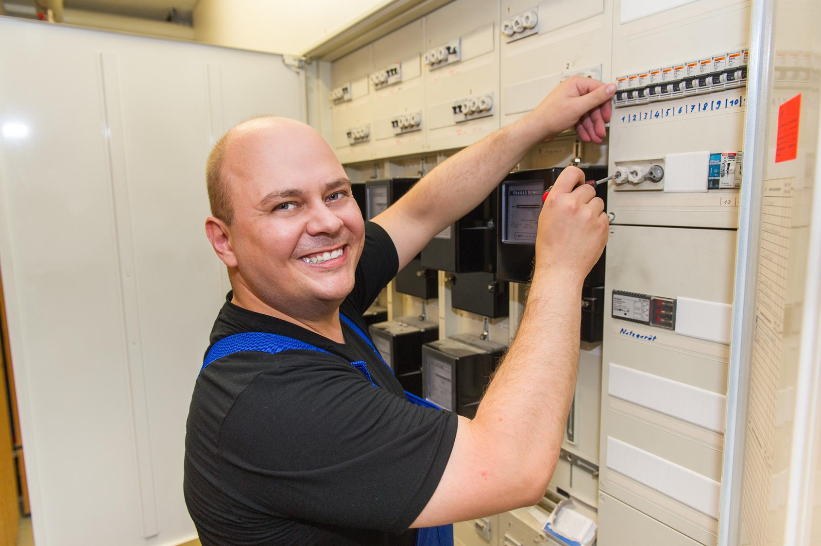 Pflichtenübertragung auf die Elektrofachkraft: Kennen Sie Ihre Risiken?