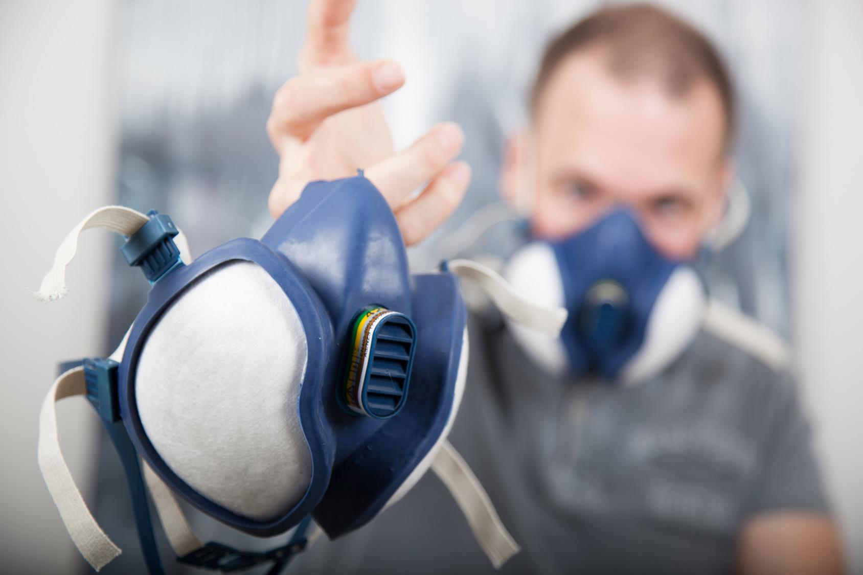 Der Umgang mit Atemschutzgeräten muss unterwiesen werden