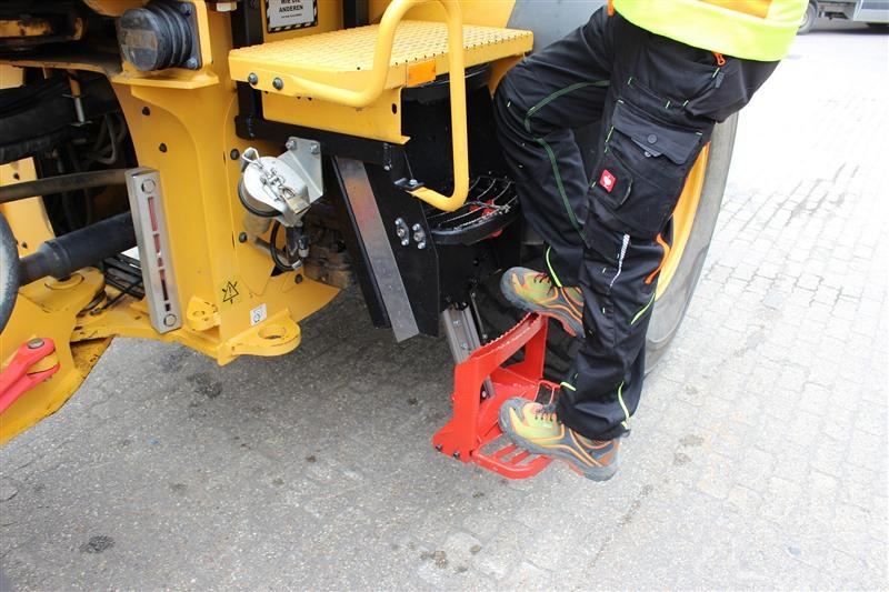 Baumaschinen: Wie Sie Fahrerunfällen beim Auf- und Absteigen vorbeugen