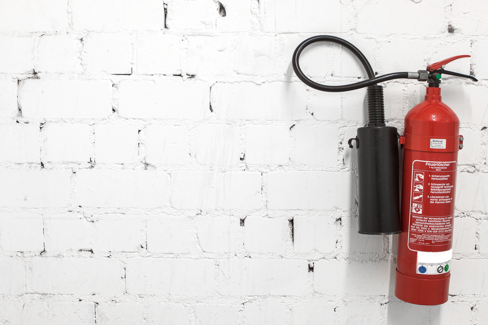 Schaumlöscher – beliebte Brandschutzlösung für Arbeitsstätten